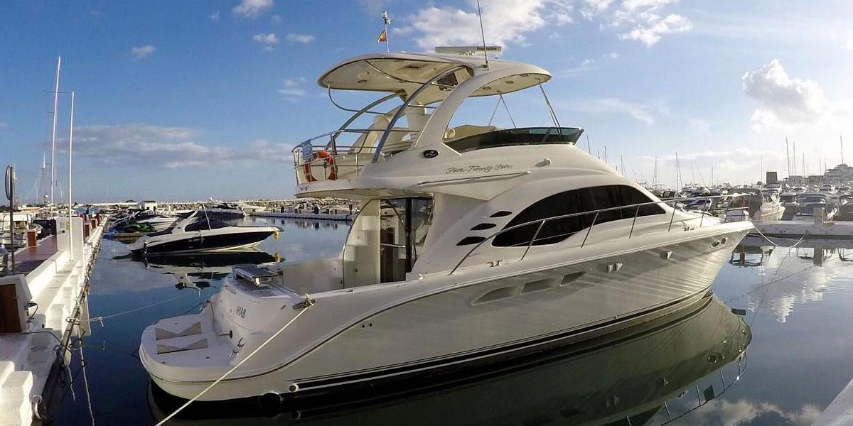 Motor Boat Charter in Puerto Banus – Sea Ray 525 Fly